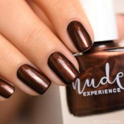 chocolat maroon nails