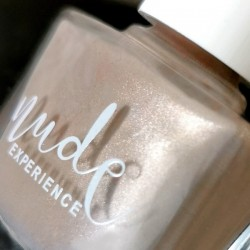 nails grey-taupe