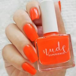 Manucure orange fluo